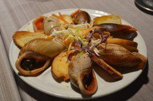 1280px-ile_des_pins_snails_cooked